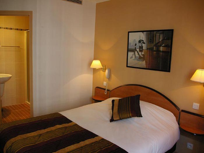 Paris hotel hotel home moderne paris france reservation for Hotel moderne paris
